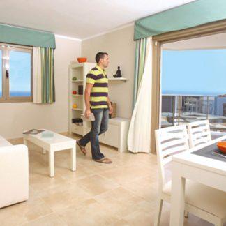 AR Esmeralda Suites Hotel