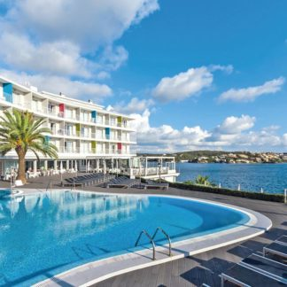 Artiem Carlos III Hotel