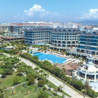 Commodore Elite Suites & Spa Hotel