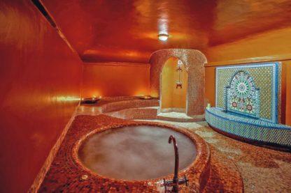 Dellarosa Hotel & Suites in