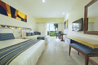 Viva Wyndham Azteca in Cancun